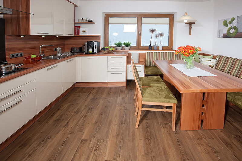 Holz hat was wir alle suchen die perfektion und die unvergänglichkeit es gibt nichts vergleichbares